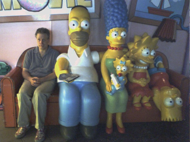When stealing Homer Simpson statues is outlawed, only outlaws will D'OH!